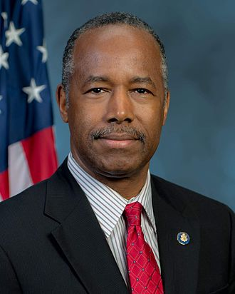 Ben_Carson_official_portrait_as_HUD_secretary